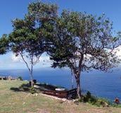 Una vista ombreggiata e pacifica del mare Immagini Stock