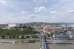Una vista panorámica de Bratislava Fotos de archivo libres de regalías
