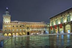Una vista panorámica de la plaza principal con la nieve - Bolonia fotografía de archivo libre de regalías