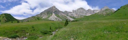 Una vista panorámica de las montan@as Italia de Dolomiti Fotografía de archivo libre de regalías