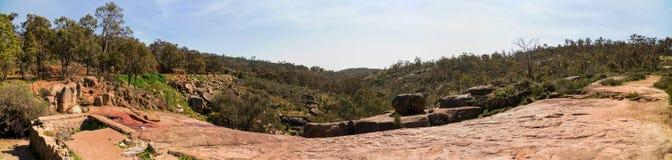 Una vista panoramica della valle dalla cima del parco nazionale cade a Fotografie Stock Libere da Diritti