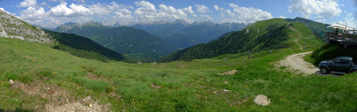 Una vista panoramica delle alpi Italia di Dolomiti Immagini Stock Libere da Diritti