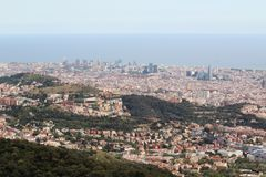 Una vista panoramica di Barcellona da Tibidabo Fotografie Stock Libere da Diritti