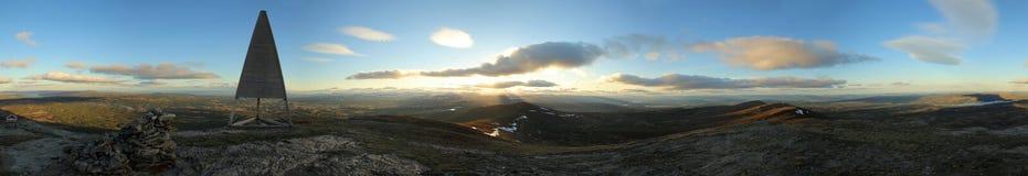 una vista panoramica di 360 gradi dalla montagna svedese Ansaett Immagini Stock
