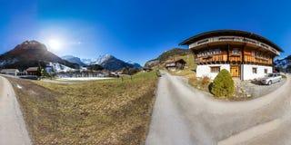 una vista panoramica di 360 gradi della valle in Svizzera Fotografia Stock Libera da Diritti