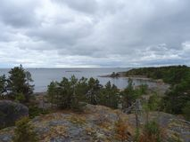 Una vista piacevole in arcipelago nel golfo di Finlandia Fotografia Stock