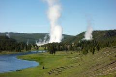 Una vista pintoresca del parque de Yellowstone en el verano imagen de archivo