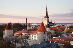 Una vista sopra Tallinn medievale Città Vecchia in Estonia Fotografie Stock Libere da Diritti