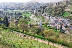 Una vista sopra un bello campo in Germania Fotografie Stock Libere da Diritti