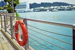 Una vista vicino al pilastro o alla baia, vicino al mare Fotografia Stock Libera da Diritti