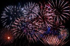 Una visualización de explosiones múltiples Foto de archivo libre de regalías
