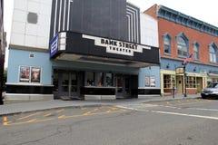Unabhängiges Theater, im Jahre 1902 öffnend, im Stadtzentrum gelegenes, neues Milford, Ct, 2015 Stockfotos