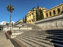 Unabhängigkeits-Park und Museu Paulista der Universität von Sao Paulo lizenzfreie stockfotos