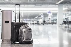 Free Unattended Cabin Case And A Backpack At The Boarding Gates Of An Stock Photos - 109275083