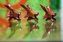Unbekannt-ausgetrocknete und gemalte Tierwirbel Stockfotografie