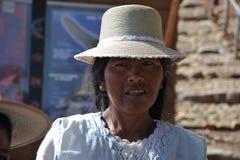 Unbekannte Frau auf der Insel des Mondes Stockfoto