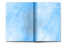 Unbelegte/leere Winterzeitschrift ausgebreitet auf Weiß Lizenzfreies Stockbild