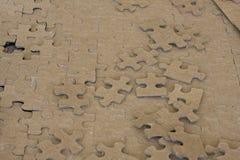 Unbelegte Puzzlespielstücke Lizenzfreie Stockbilder
