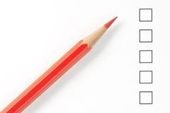 Unbelegter Übersichts-Kasten mit rotem Bleistift Stockbilder