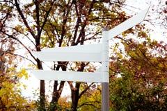 Unbelegter Richtung Signpost Stockbilder