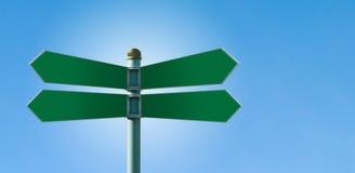 Unbelegter Straßenschildpfosten mit 4 Zeichen Lizenzfreies Stockbild