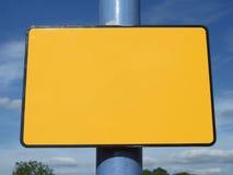 Unbelegtes gelbes Zeichen Stockfoto
