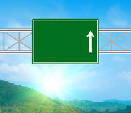 Unbelegtes grünes Verkehrsschild Lizenzfreie Stockfotos