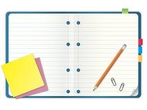 Unbelegtes Notizbuch mit Bleistiftabbildung Lizenzfreies Stockfoto