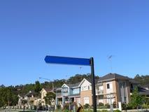 Unbelegtes Straßenschild Stockfoto