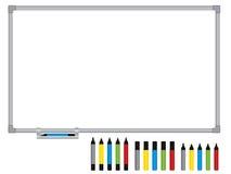 Unbelegtes whiteboard mit Federn Stockbilder