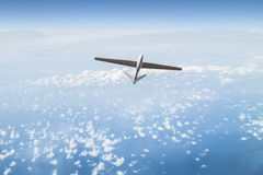 Unbemanntes Luftfahrzeug im Himmel Stockbilder