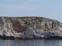 Unbewohnte kroatische Insel im Mittelmeer Stockfotos
