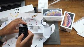 Unboxing ανοίγοντας νέα σειρά ρολογιών της Apple ατόμων 4 ζευγάρι φιλμ μικρού μήκους