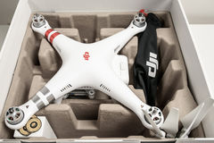 Unboxing avancerad surrquadrocopterDji fantom 3 Royaltyfri Bild