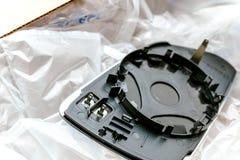 Unboxing du nouveau miroir d'amortisseur de miroir d'aile de la boîte en carton Image libre de droits