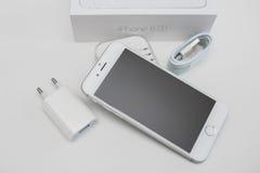 Unboxing ny smartphone för Apple iPhone 6S Royaltyfri Fotografi
