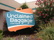 Unclaimed bagagemitt i Scottsboro, Alabama, USA arkivfoton