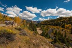 Uncompahgre Nationale Bosweg aan Telluride Stock Foto