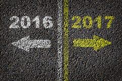 2016 und 2017 auf der Straße Lizenzfreies Stockfoto