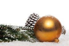 Und Christbaumkugel im Dekoschnee de Engel Fotos de Stock Royalty Free