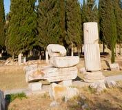 und der römisches Tempelgeschichte-pamukkale alte Bau herein wie Lizenzfreie Stockbilder