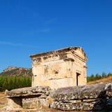 und der römisches Tempelgeschichte-pamukkale alte Bau herein wie Stockbilder