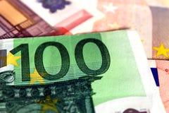 50 und 100 Euroanmerkungen Stockfotos