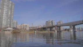 Under den Cambie bron till Yaletown marinasideandelsfastigheter lager videofilmer