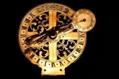 under den guld- gammala sundialen mycket Royaltyfria Foton