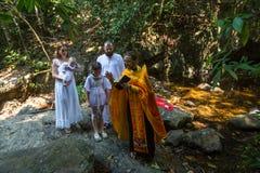 Under dopet - kristen sakrament av andlig födelse Royaltyfria Foton