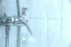 Under duschen Royaltyfria Bilder