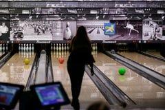 Under en bowlinglek Arkivbilder