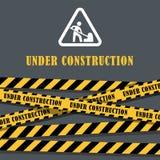 Under konstruktionswebsiten gjorde randig sidan med svart och guling gränsvektorillustrationen Gränsbandrengöringsduk, varning arkivbilder