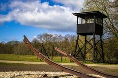 Under världskrig för te andra transporterade de tyska soldaterna folk från kampwesterbork i Holland till koncentrationsläger royaltyfri bild